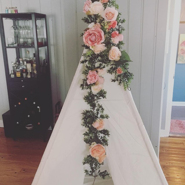 Teepee is here and one of 4 garlands are madehellip