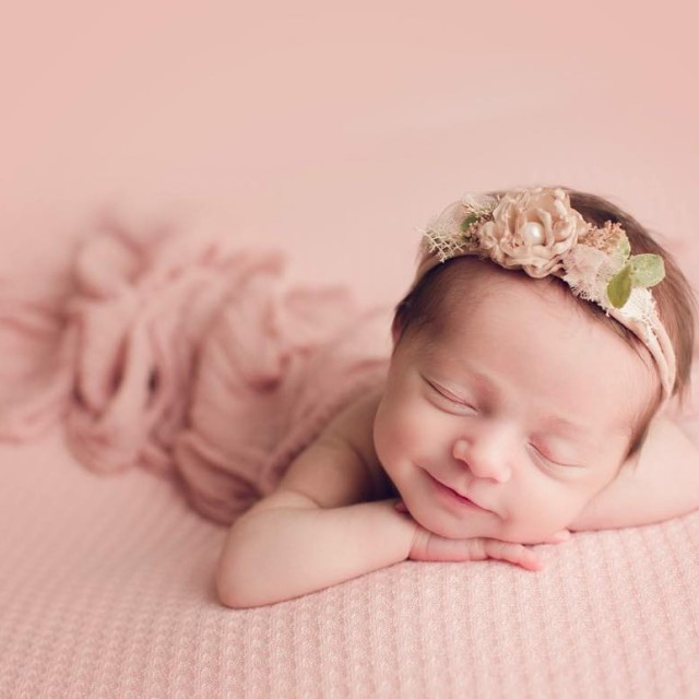 Because smiling newborns are the best! chicagophotographer newbornphotographer chicagonewbornphotographer chicagobabyphotographerhellip
