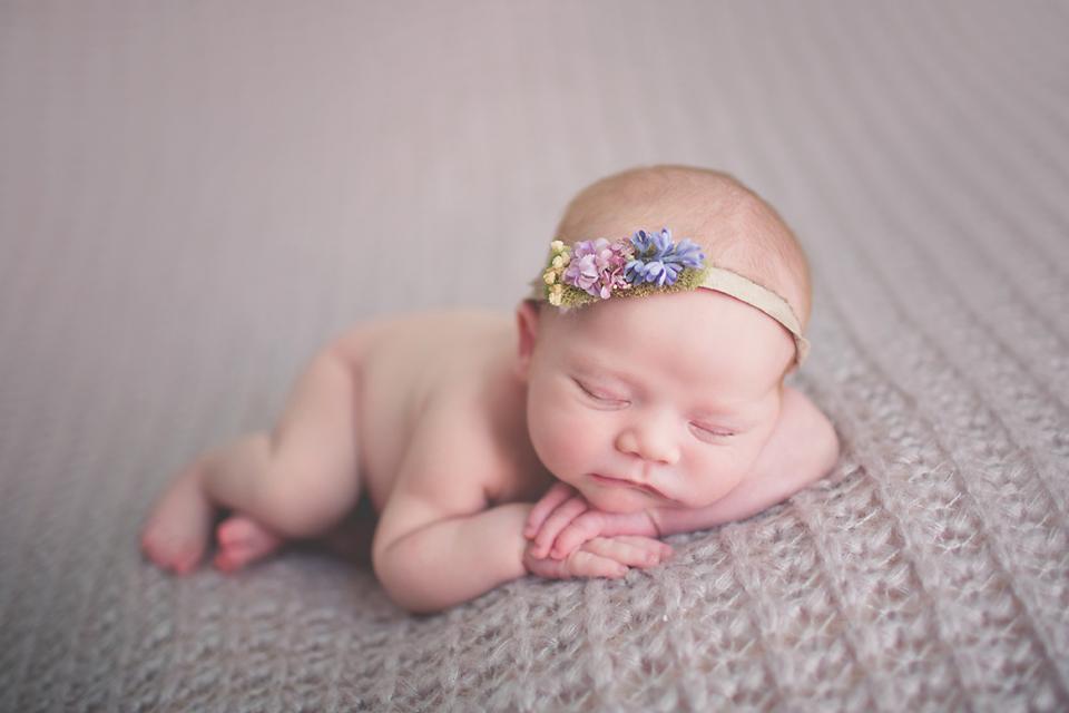 Baby girl sienna chicago il newborn photographer